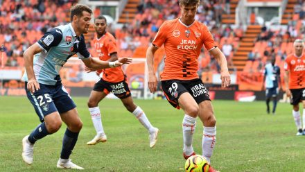Hamel Pierre-Yves (FC Lorient) - BESE Barnabas (Le Havre Athletic Club)_3000x2000