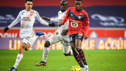 Enzo LE FEE of Lorient, Yoane WISSA of Lorient and Isaac LIHADJI of Lille during the Ligue 1 Uber Eats match between Lille OSC and FC Lorient at Stade Pierre Mauroy on November 22, 2020 in Lille, France. (Photo by Matthieu Mirville/Icon Sport) - Stade Pierre Mauroy - Lille (France)